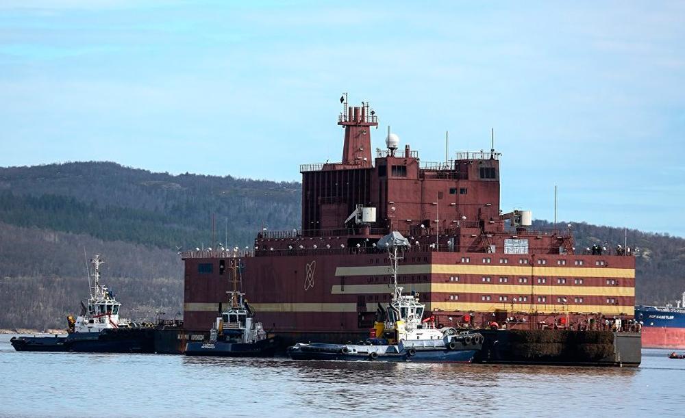 Путешествующая по мировому океану атомная станция