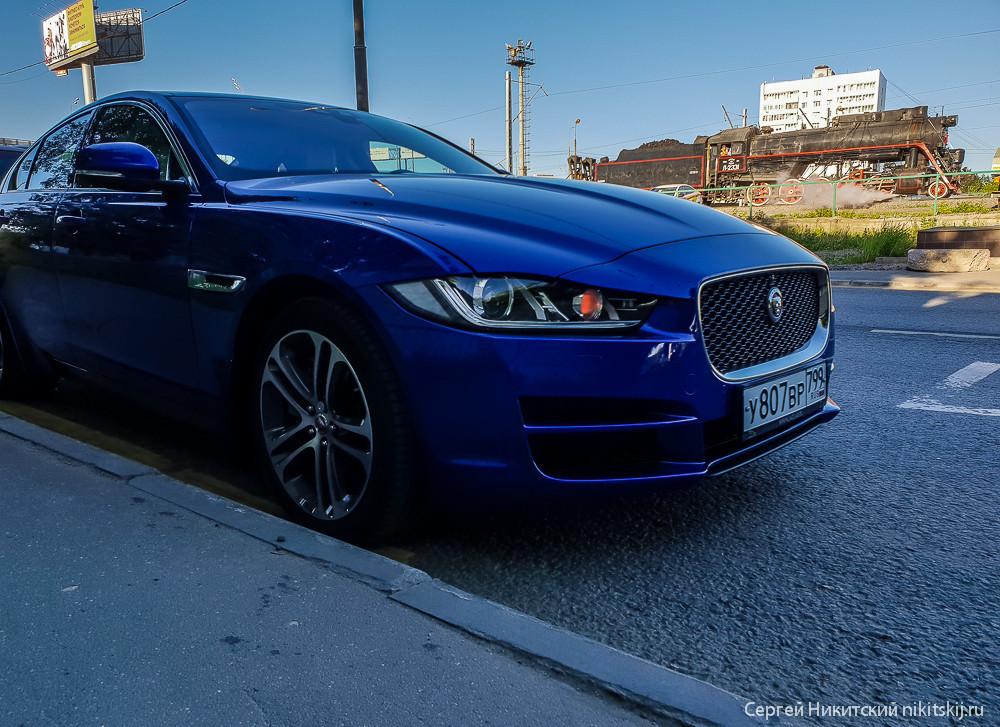 Цвет настроения синий - тест-драйв Jaguar XE