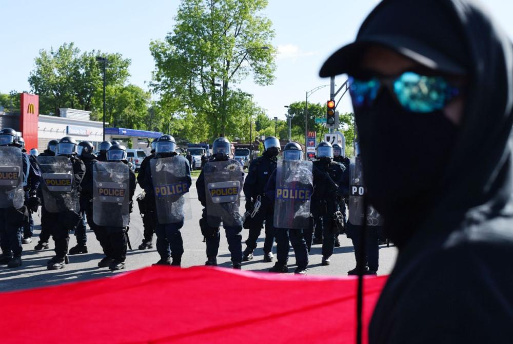G7 - распад глобального миропорядка остановить, саммита, Трамп, президент, нестабильности, покинул, числе, разногласия, политические, возрастаn, окончания, дожидаясь, встречу, заявление, санкций, итоговое, подписывать, Вашингтона, представителям, указание