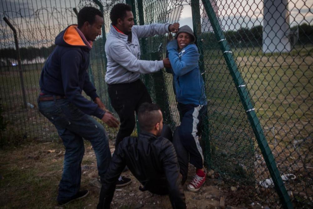 Штурм мигрантами евротуннеля