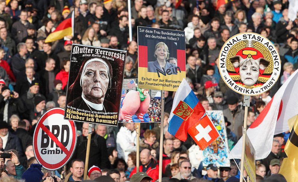 """Массовые протесты против """"исламизации Европы"""" - фоторепортаж"""