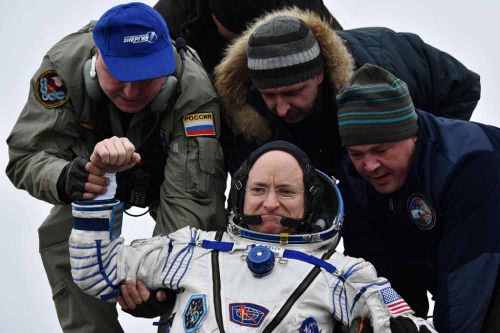 11 месяцев дружбы США и России