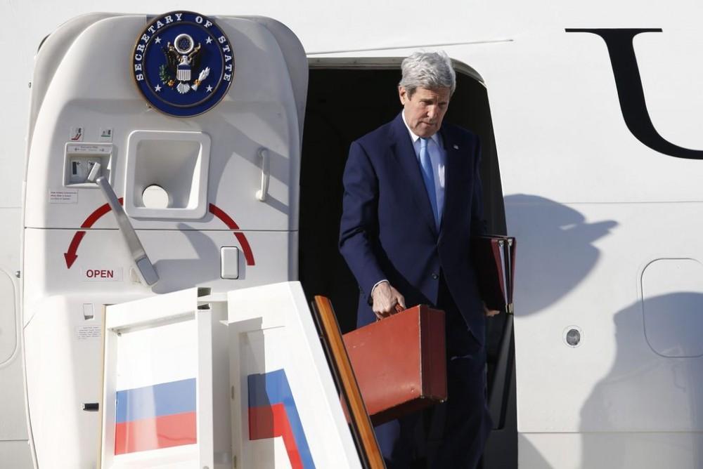 Что привез Керри Путину в красном чемодане?
