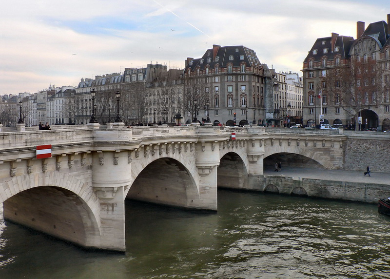 pont_neuf_rue_dofine