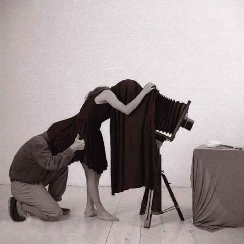 Гиф прикольная с фотографом и моделью