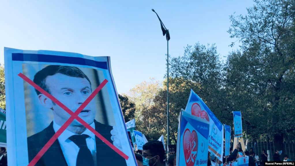 Акция против Эммануэля Макрона в столице Афганистана Кабуле, 30 октября