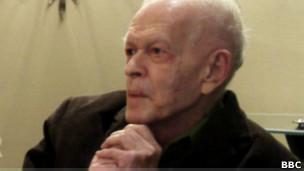 Джин Шарп получил известность как историк и теоретик ненасильственного сопротивления