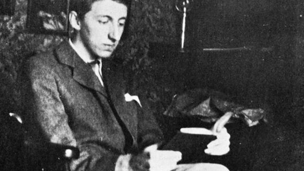 Эдвард Морган Форстер начал писать романы, еще учась в Кингз-Колледже Кембриджского университета