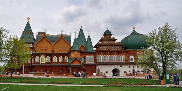 Большой деревянный дворец 1