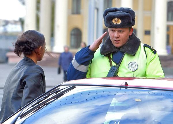 Инспектор и Девушка 2