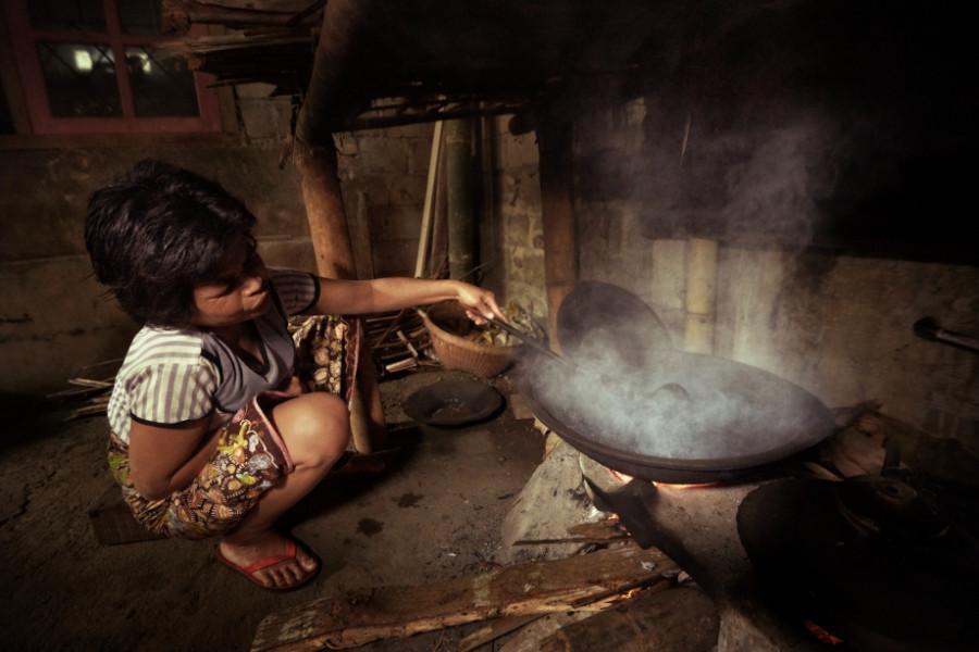 Обжарка кофе в Индонезии