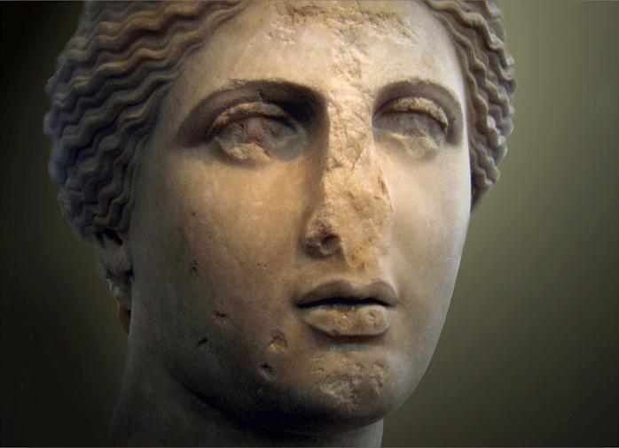 Голова Афродиты. Копия скульптуры Праксителя, для которой по преданию позировала Фрина