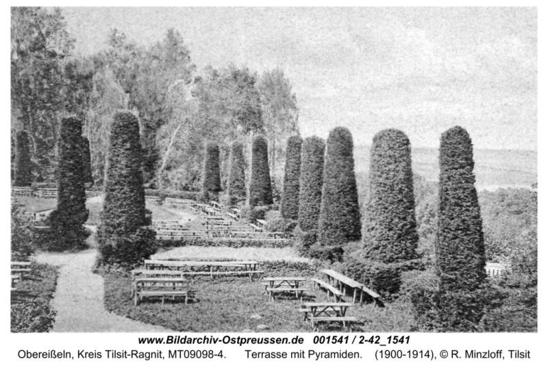 ID001541-Obereisseln-Terrasse_mit_Pyramiden