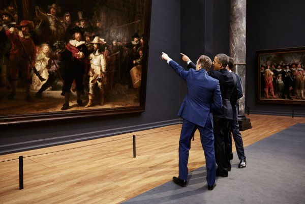 Wim-Pijbes-and-Barack-Obama-in-front-of-The-Night-Watch.-Photo-Erik-Smits