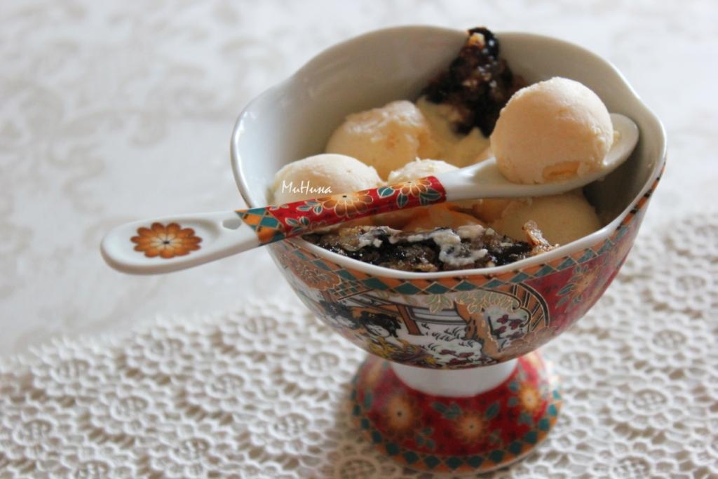 имбирное мороженое и хлопья с черносливом