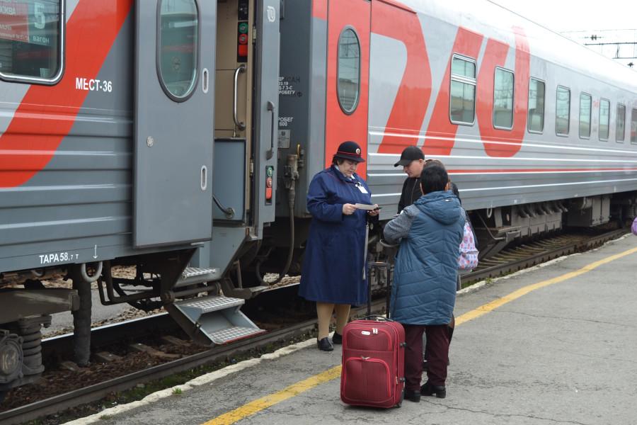 В Сургуте 11 вахтовиков сняли с поезда Новый Уренгой — Уфа ...   600x900