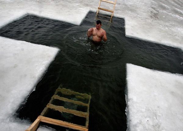 крест и лёд