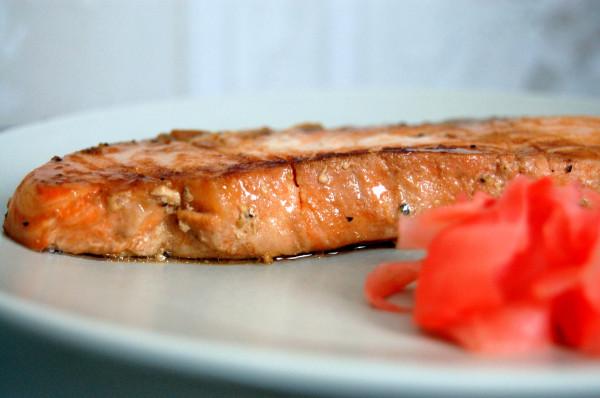Рецепт стейки семги в соевом соусе