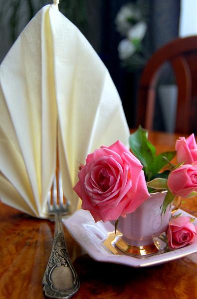 Сервировка салфеток бумажных на свадьбу фото