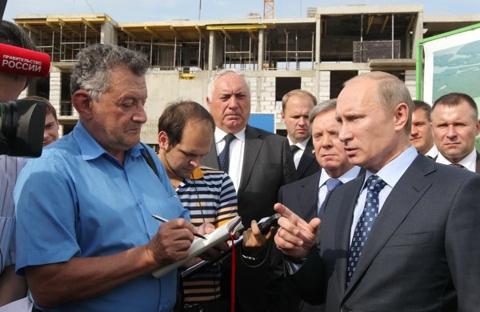 Путин, Громов и Челпан на стройплощадке Нового Ступино