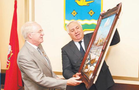 Павел Челпан и посол США в России Джон Байерли