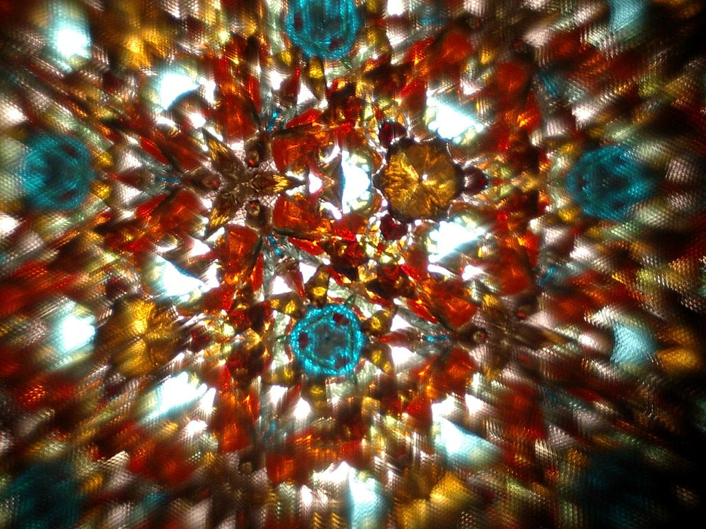 1024px-View_of_a_kaleidoscope