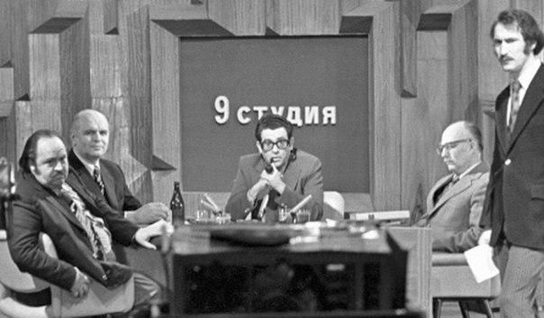 Пропагандон В. Зорин и его ученик и продолжатель В. Познер. Вы не в курсе кто они?..