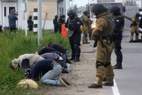 миротворцы и хунта