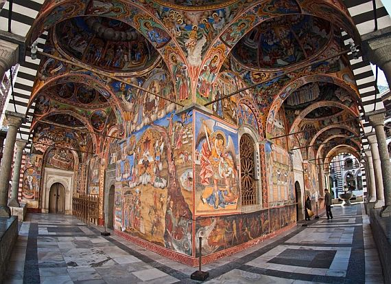 монастырь в Болгарии