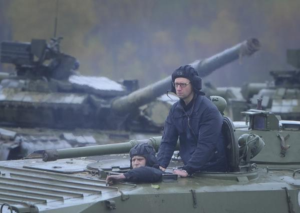 яценюк в армии