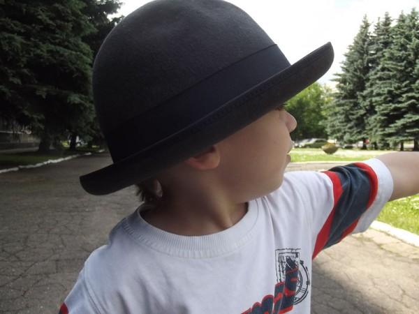 Егор в шляпе