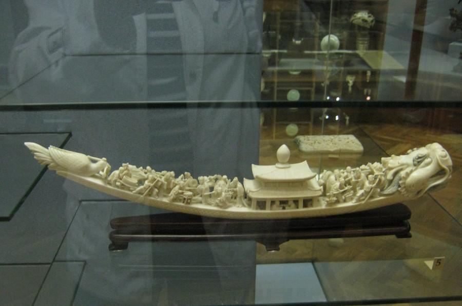 лодка из кости