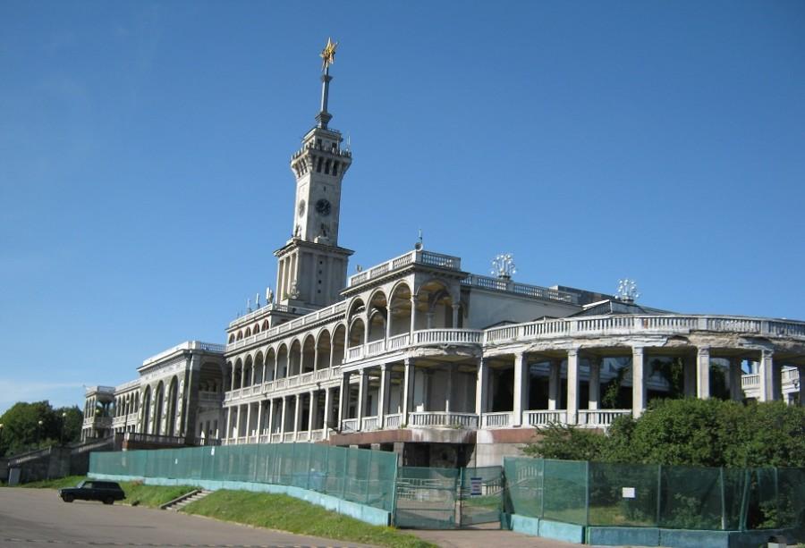 здание в ремонте 2