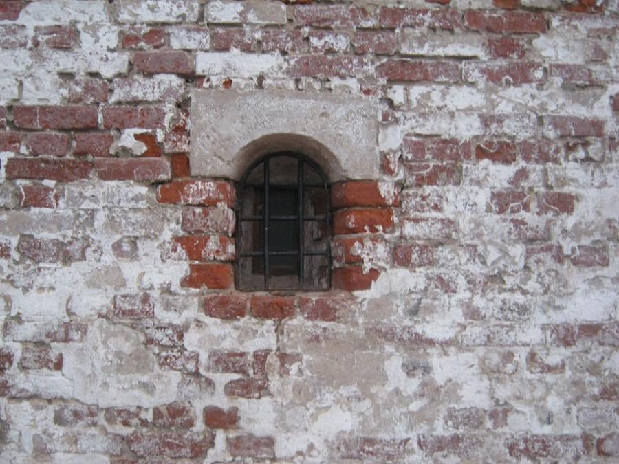 на внешней стене