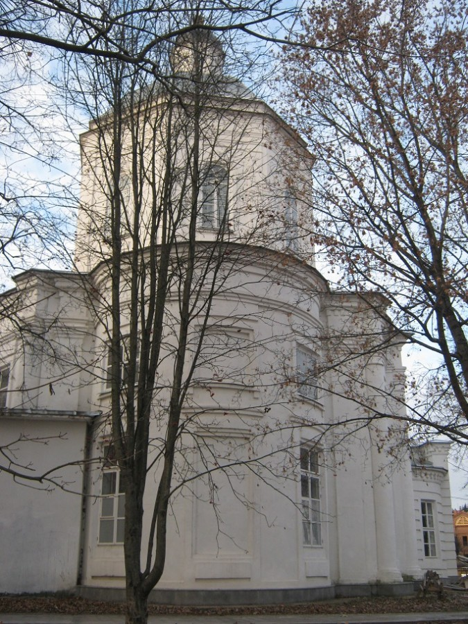 храм вблизи