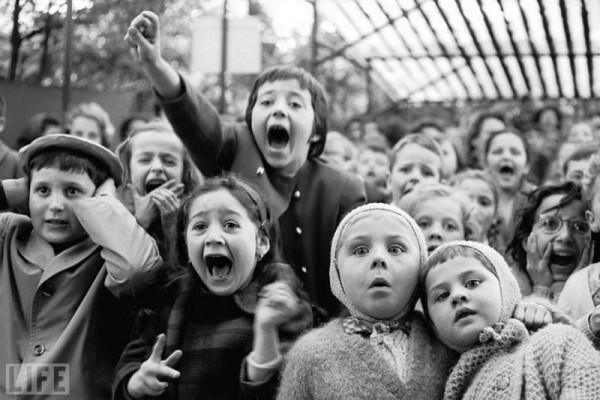 1963 парижский пар кукольный спектакль момент убийства св Георгием змия