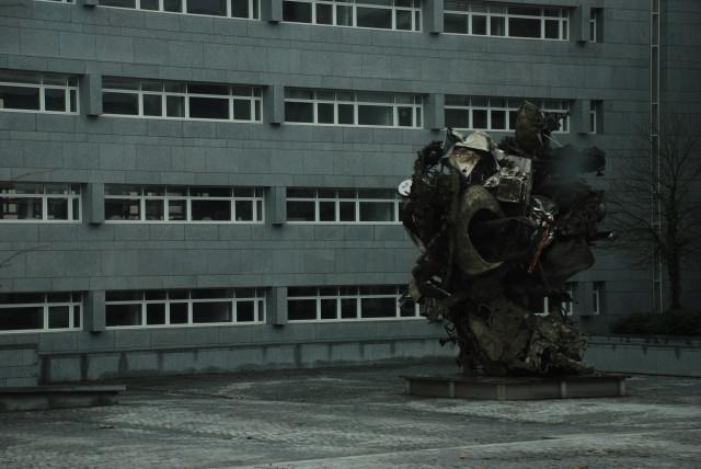 Памятник стали