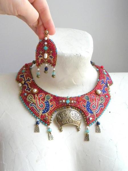 Шикарные украшения из бисера фото