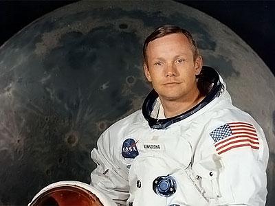 skonchalsya_legendarnyiy_astronavt_nil_armstrong.800439