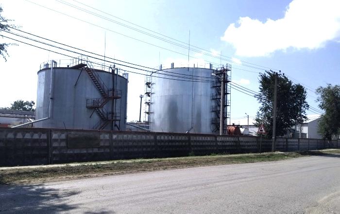 Врачи райцентра Ленино встали на защиту населения от выбросов нефтебазы