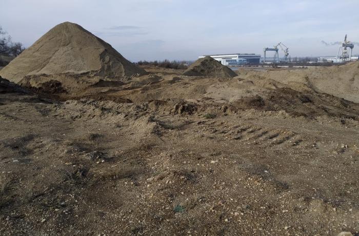 ФСБ России проверит обстоятельства незаконной добычи песка в Керчи