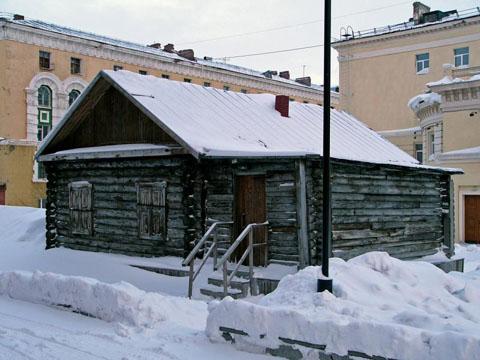 Первый дом