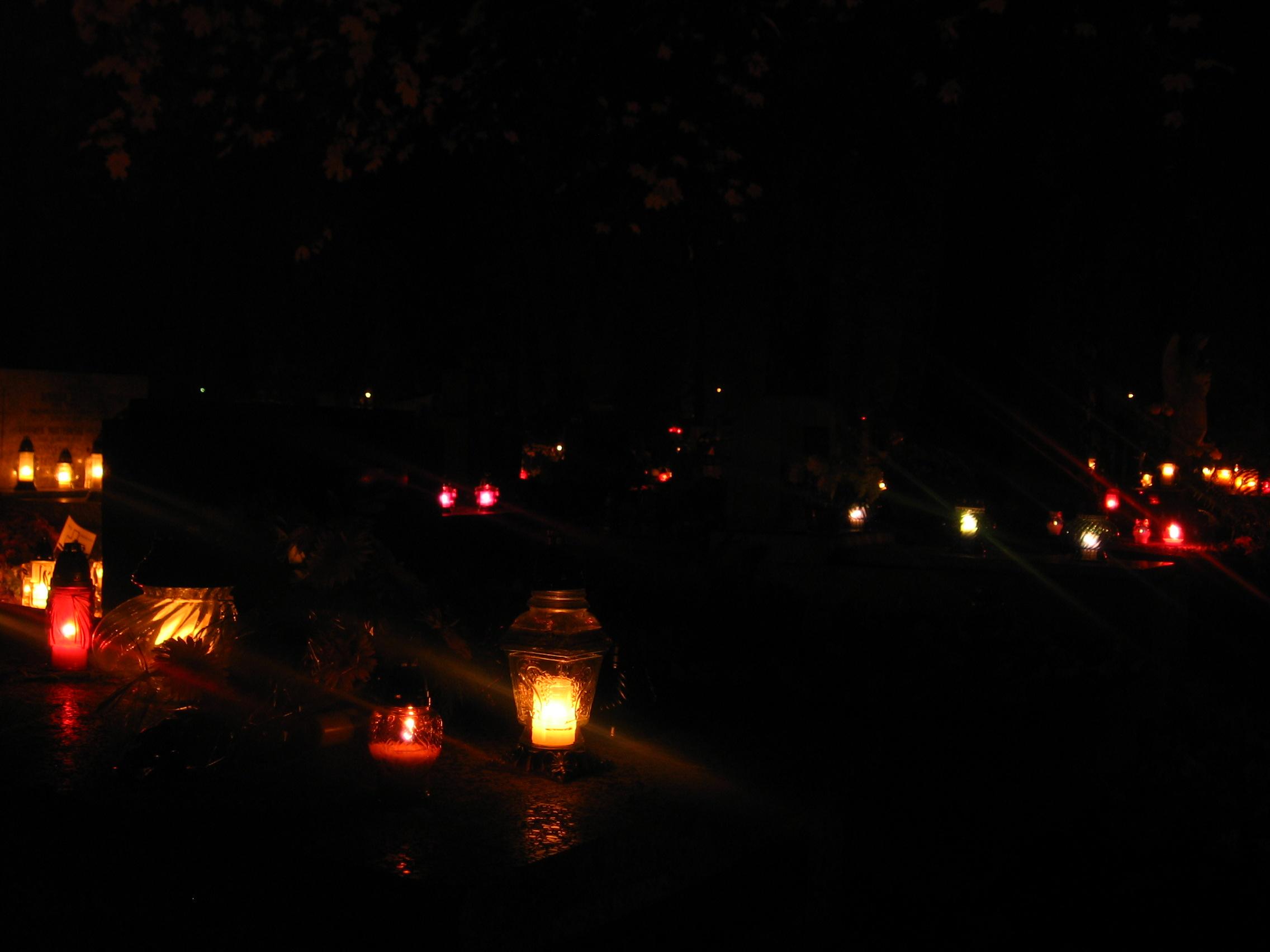 Картинки по запросу кладбище ночь