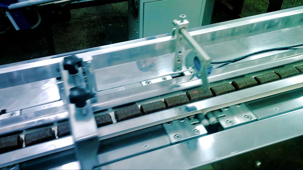линия упаковки конфет