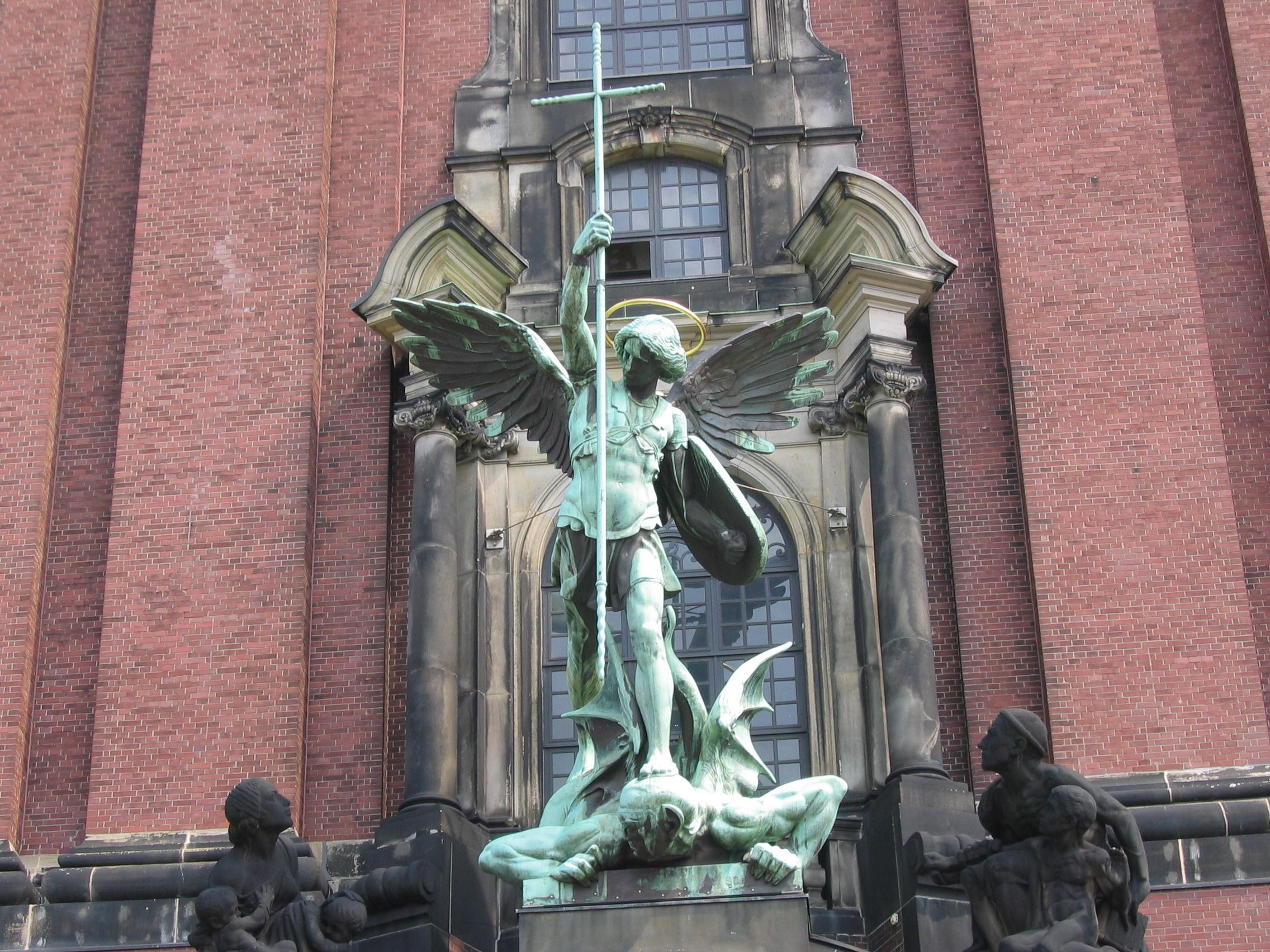 Hamburg_St.Michael.JPG