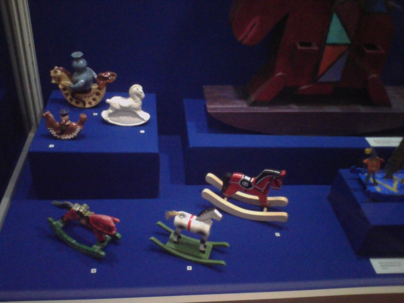 Игрушки качалки