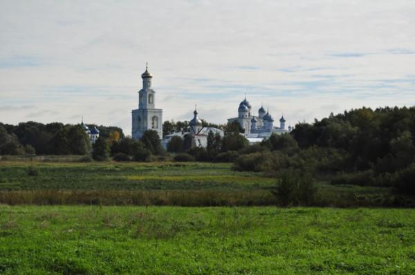 Вид на Юрьев монастырь из Витославлиц