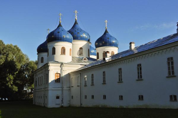 Великий Новгород Юрьев монастырь Крестовоздвиженский собор