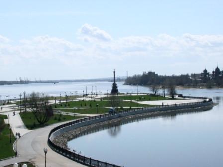 Ярославль. Стрелка на слиянии рек Волги и Которосли