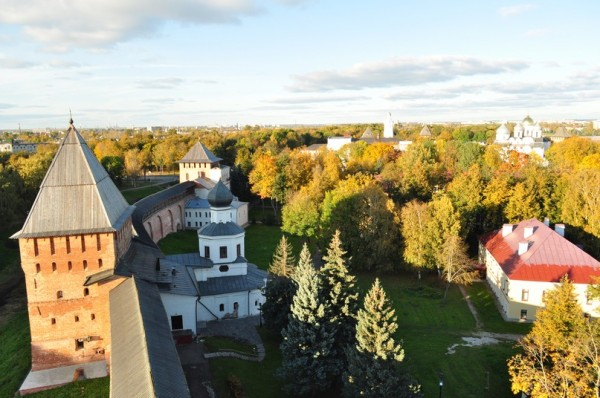 Великий Новгород Златоустовская и Покровская башни Детинца